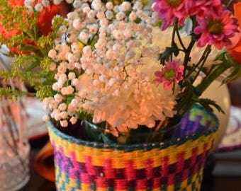MULTI-COLOR WICKER PLANTER