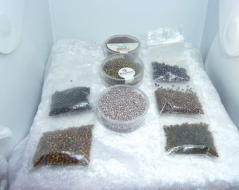 109 g of seed beads shades of Brown