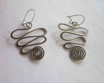 Retro Modern Style Sterling Silver Dangle Pierced Earrings