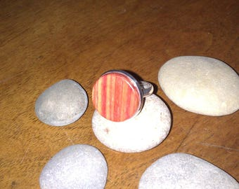 Adjustable ring made of rosewood