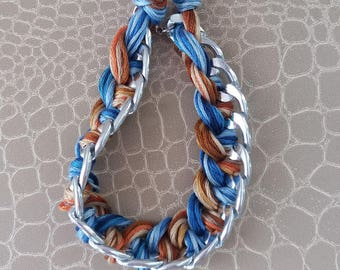 Bracelet chain and cotton threads