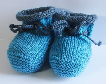 Baby booties - two-tone - blue-grey - size 0-3 months