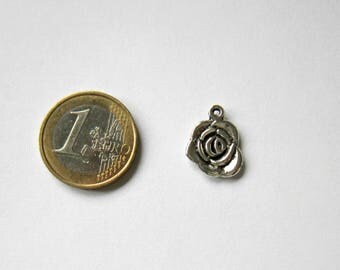 1 shaped charm in antique silver rose 14 x 17 mm