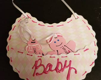 Congratulate the new mother and father with this unique baby card