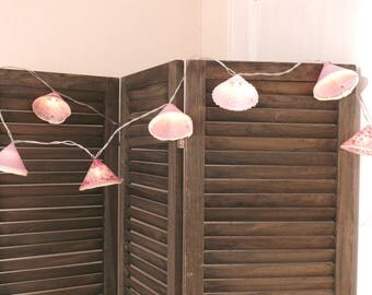 Bright decorative Garland with pink shabby-cozy and trendy