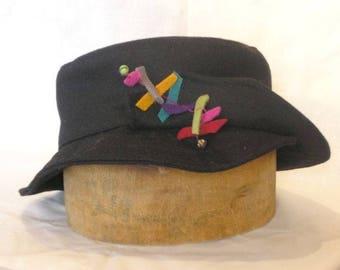 "Winter hat ""bipole Caterpillar"" in black peacoat"