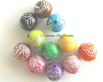 16 multicolored acrylic beads 11 mm