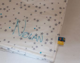 Large fleece blanket embroidered with the name of child