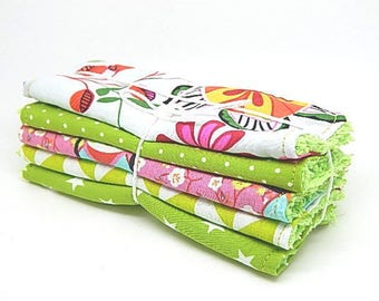 5 large wipes baby or cleansing tones green and pink
