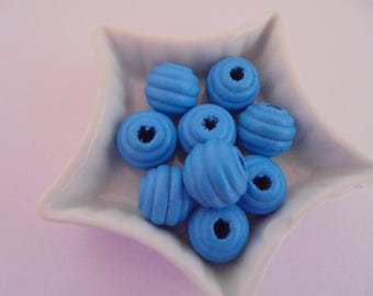 9 blue wood beads 15 mm round