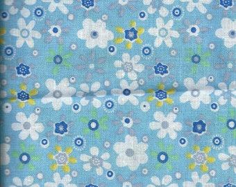 FLORAL fabric: Flowers light blue background (coupon 45 x 45 cm) 100% fine cotton