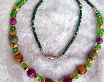 Gold NECKLACE, Horn wood VINTAGE green and purple beads