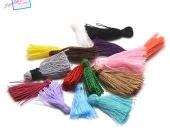 10 mini tassels 20 mm, color matching cotton thread