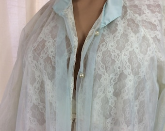 Vintage Peignoir Robe, Baby Blue lace, FREE SHIPPING DOMESTIC