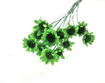 X 1 pretty mini Daisy Green 0.8 cm