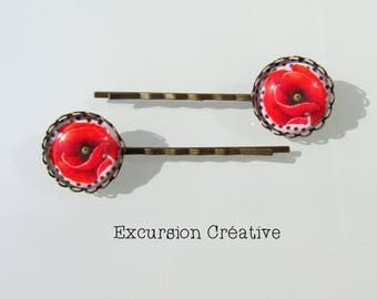 Cabochon 20 mm poppies on white background with polka dots supports bronze