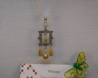 §3§ pendant silver metal frame yellow beaded magical 3D