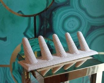Linen Five Ring Finger Display