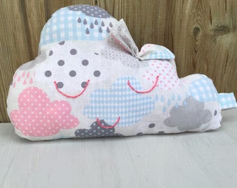 Cloud pillow. A cloud with p' little clouds to decorate baby's room.