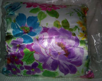 Cushion with a floral design