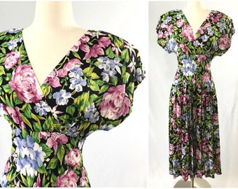 1980s does 1950s Figure Flattering Rockabilly Style Floral Dress | Pin Up Girl Dress | Dress with Pockets | 1980s Dress | Vintage Clothing