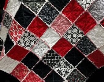 Rag throw quilt