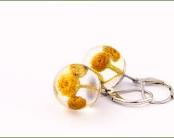 Unique earrings with yellow flowers in resin, Resin earrings, Flowers in resin, Floral jewelry, Gift for her, Christmas gift for her,