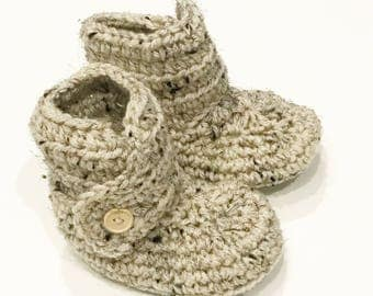 FREE SHIPPING! Crochet baby booties - Baby boots - Baby shoes - You choose size and color!
