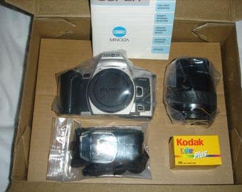 SALE Was 109 Now 89 - Minolta 505si super Film Camera with DataBack & Minolta Zoom xi 28-80mm AF lens PHOTOPACK