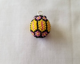 Beaded bead Flower pendant