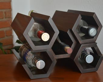 Wine rack/bottle of hexagonal wood
