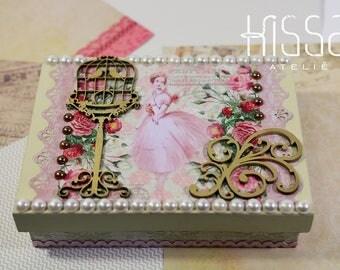 Wooden Square Tissue Box Holder Dispenser- Tissue Cover- Rose & White- 15x20cm- Hand decorated- Gift idea- Home decoration- Decor