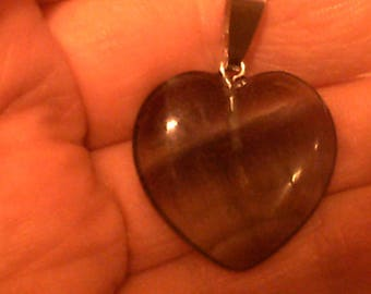 Clear/purple heart shaped agate pendant necklace