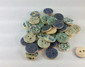 36 roses floral pattern wooden buttons