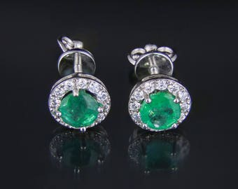 18k White Gold Earrings With Emeralds And Diamonds. Free shipping.