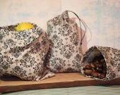 Loose beige and black gift bag set of 3 zero waste
