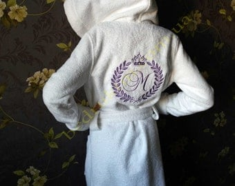 Сhildren's bathrobe with a name, personal embroidery