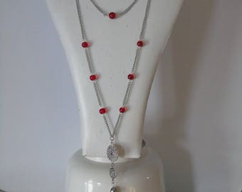 Beautiful red necklace with earrings, red color.