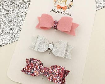 Pink baby Girls bows/newborn bows/headband/clips