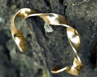 14k GOLDFILLED bracelet,personalized,14k gold bracelet,unique,statement bracelet,yellow gold,modern,minimalist,anniversary gift,mother day
