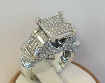 14K White Gold Diamond Cluster Ring ,Inviseble set.2.30CT.Total Weights.size 7