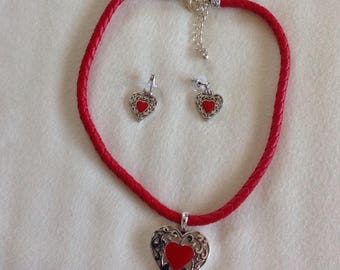 30%off Red heart necklaces for Valentine's Day