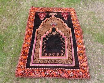 Rare Extraordinary Vintage rug Free Shipping, Unique turkish rug 3.1 x 4.6 ft. handknotted area rug turkish rug boho rug floor rugMB525