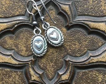 Vintage reversible heart pierced earrings