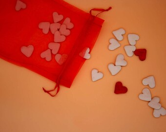 Heart-shaped table confetti in white earthenware biscuit - set of 25 pieces