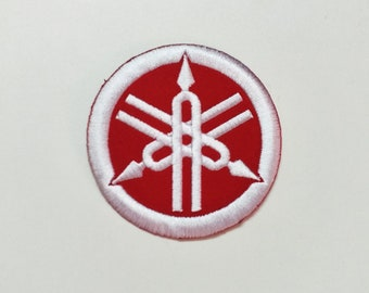 YAMAHA Red Embroidered Sew iron-On Patch Motorcycles Biker Logo Sports Racing