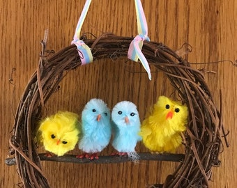 Easter Mini-Grapevine Wreath with little Chicks, Easter Peeps