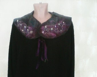 Mantle, Embroidered collar