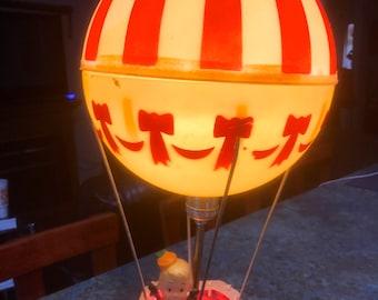 Dolly Toy Company Air Balloon Children's Nursery Lamp and Night Light 1960 Era