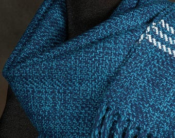 Blue scarf / Navy blue scarf / man's scarf / woman's scarf / merino wool scarf / winter scarf